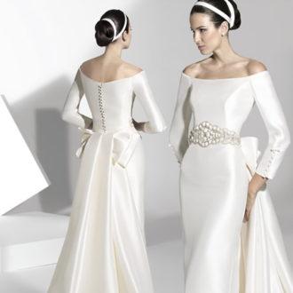 novia con vestido con escote barco de Franc Sarabia