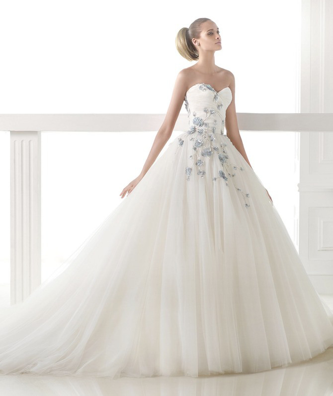 Fotos de vestidos de novia escote corazon