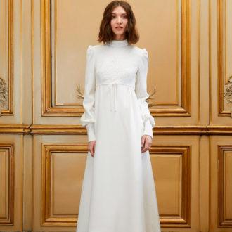 novia con vestido de cuello alto de Delphine Manivet
