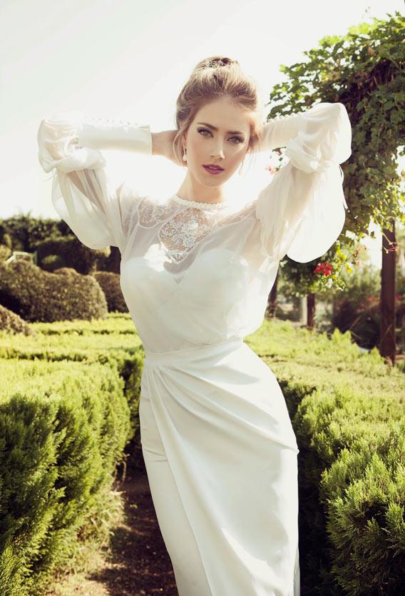 novia atrevida con vestido de Nurit Hen