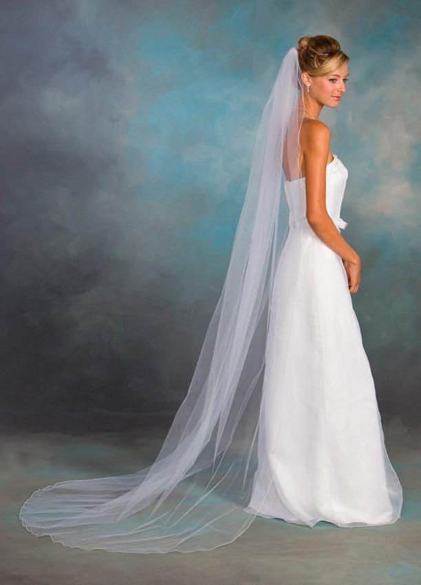 novia con velo tipo capilla