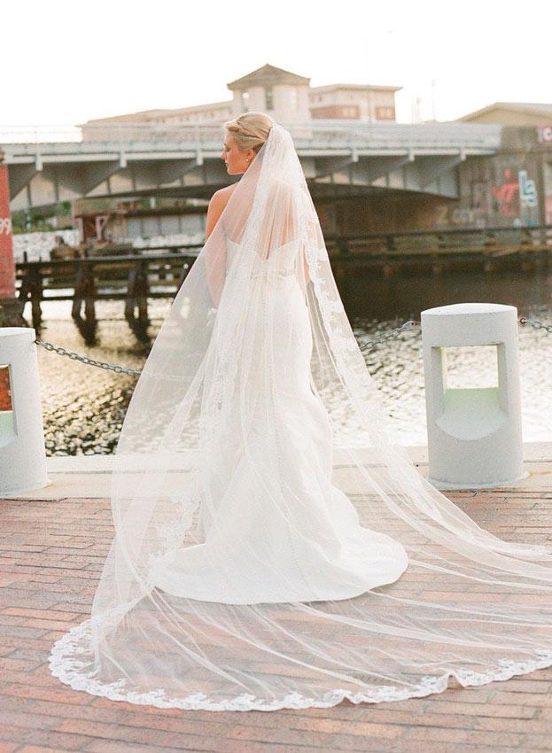 novia con velo tipo catedral