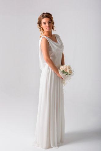 novia con vestido de inspiración griega de L'Avetis Novias