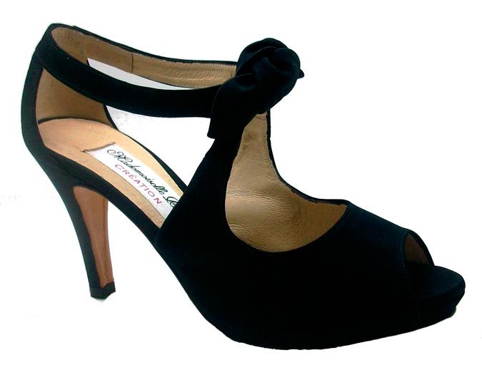 zapatos para novia de Mademoiselle Rose en color negro