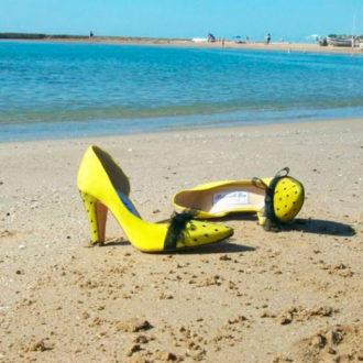zapatos para novia de Mademoiselle Rose en color amarillo