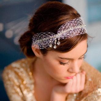 novia con recogido bajo con diadema