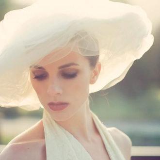 novia luciendo pamela en su boda