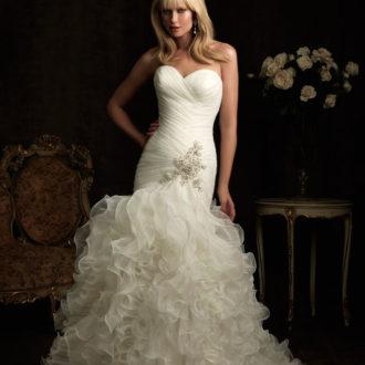 vestido de novia corte sirena escote corazón con pedrería