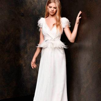 novia con vestido péplum de Alessandro Couture