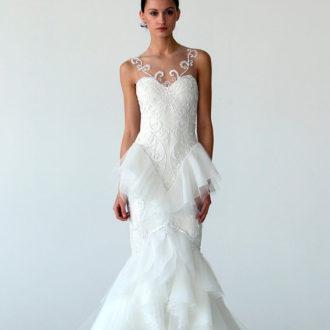 novia con vestido péplum de Marchesa