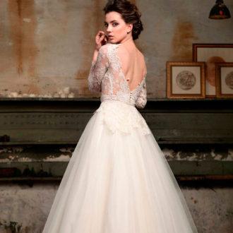 vestido de novia con escote en la espalda 3