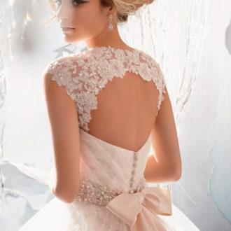 vestido de novia con escote en la espalda 5