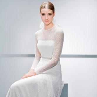 novia con vestido de manga larga de Jesús Peiró