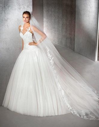 novia con vestido estilo princesa de San Patrick