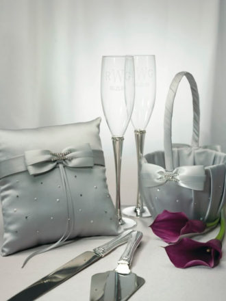 detalles en color plata para decoración de boda