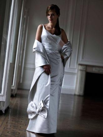 novia con vestido en color plata de Alan Hannah