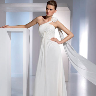 novia con vestido de corte imperio Eboli de St. Patrick