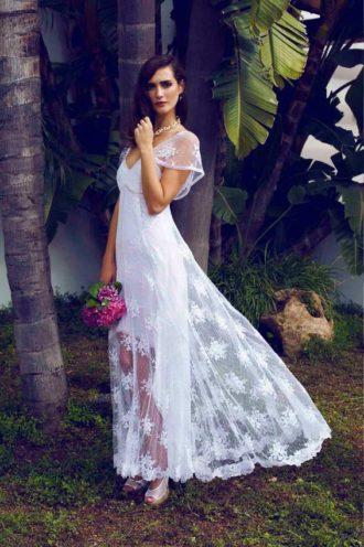 novia con vestido texturizado de Charo Ruiz