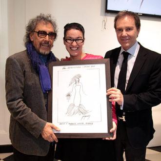 Lluís Llongueras con la represntante de la Asociación Vicente Ferrer y el Doctor Sanza