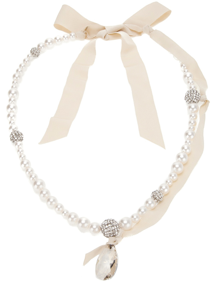 Collar para novia con perlas y lazo nude de Lanvin