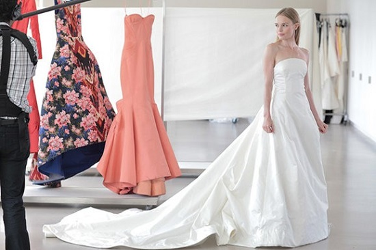Kate Bosworth con su vestido de novia de Oscar de la Renta