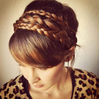 peinado recogido con diadema de trenza