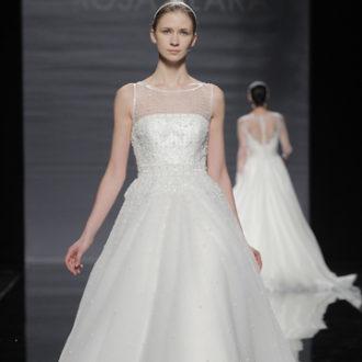 vestido de novia de la colección de Rosa Clará
