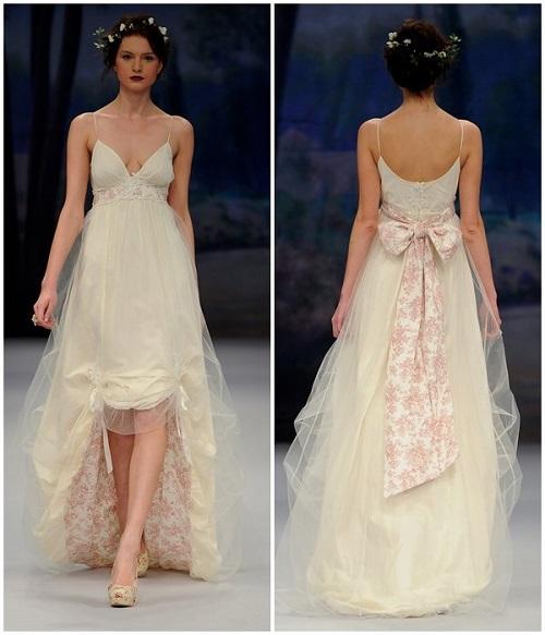 vista por delante y por detrás de vestido lencero, novia con corona de flores