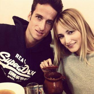 foto de pareja de Alba Carrillo y Feliciano López comiendo