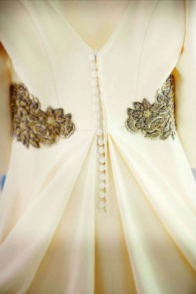 cinturón ancho abierto vestido novia abotonado