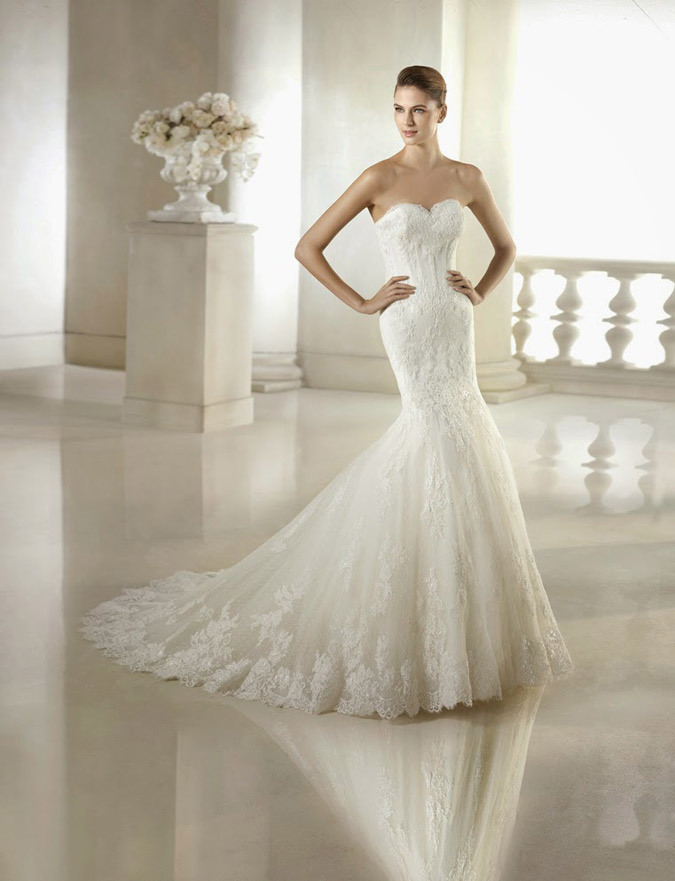 novia con vestido con cola