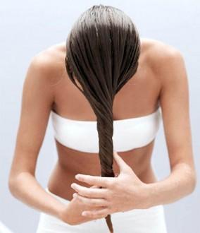 novia realizándose tratamiento en cabello