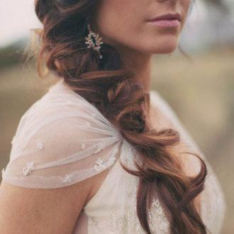 novia con pendientes vintage glitter
