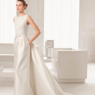 novia con vestido de cola desmontable
