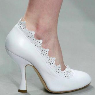 zapatos de novia blancos troquelados