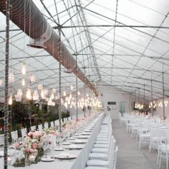 invernadero habilitado para celebrar una boda millennial