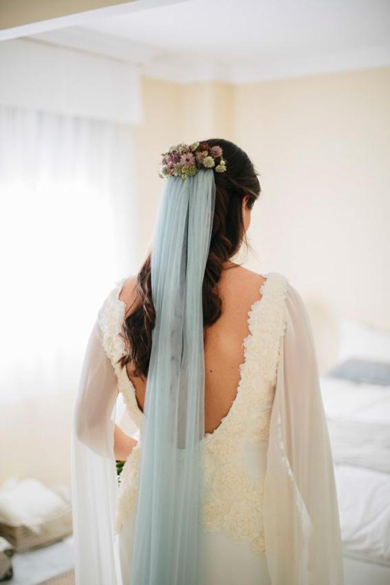 ece8cd8bc novia con velo en color azul