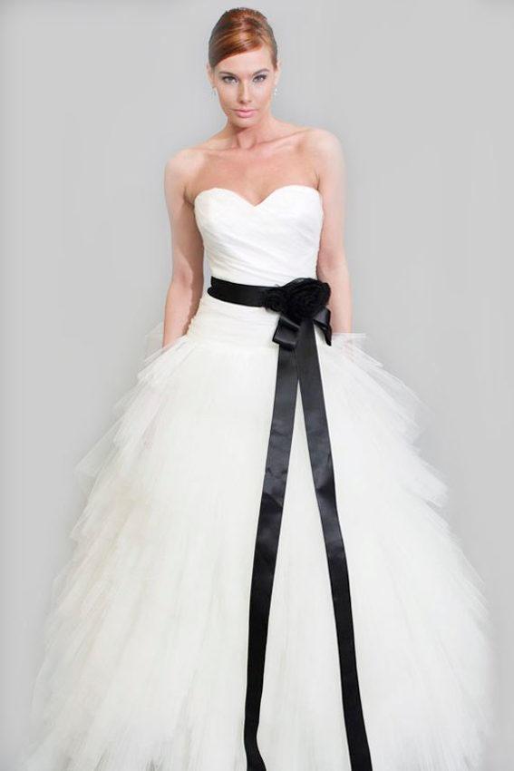 de color negro en vestidos de novia