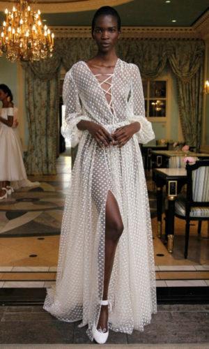 novia con vestido inspirado en Coachella de Delphine Manivet