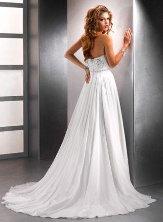 novia con vestido plisado palabra de honor