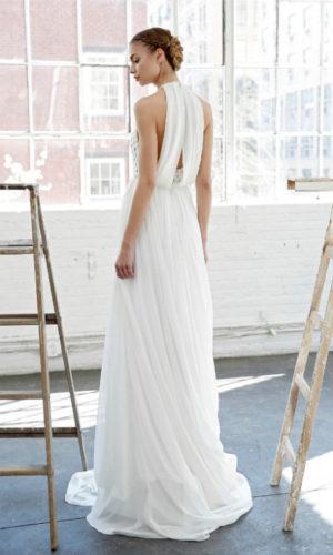 novia con vestido plisado de aire helénico
