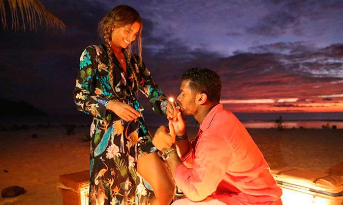 Russell Wilson pidiendo matrimonio a Ciara