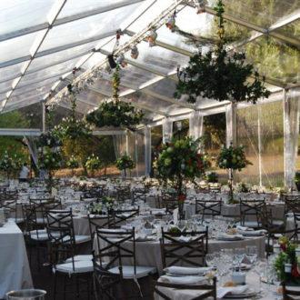 carpa invernadero habilitada para una boda en verano