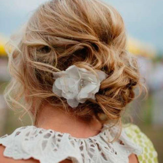 novia con pelo recogido
