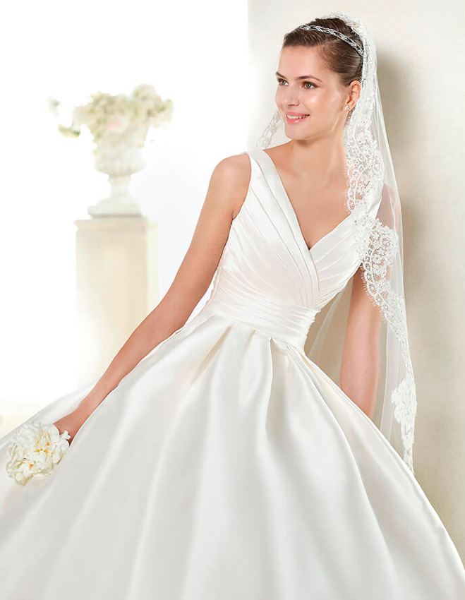 escote en v+vestidos de novia