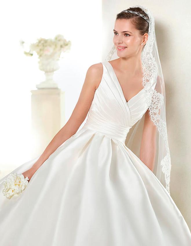 vestidos de novia con cuello en v | vestidosdenovia
