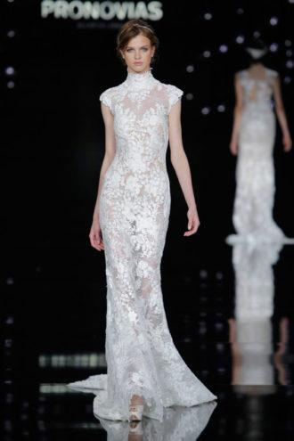 novia con vestido de Pronovias