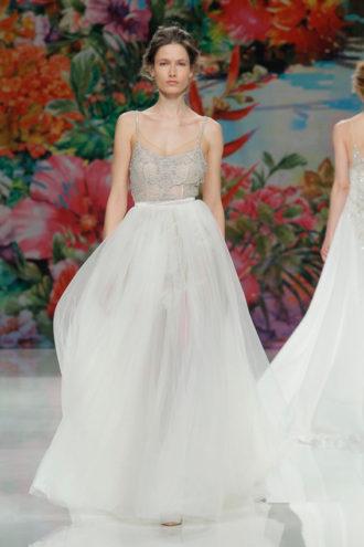 novia con vestido de Galia Lahav