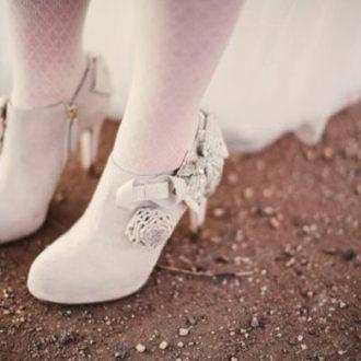 novia con zapato tipo botín