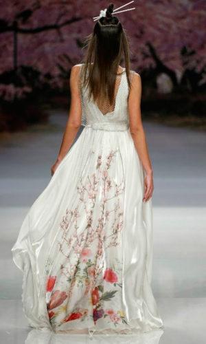 novia con vestido estampado de Inmaculada García